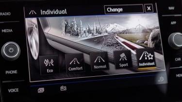 Volkswagen T-Roc - infotainment