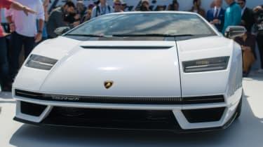 Lamborghini Countach - show full front
