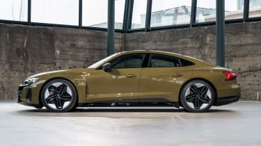 Audi e-tron GT - brown side