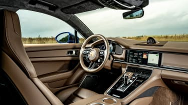 Porsche Panamera - driving