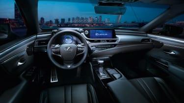 Lexus ES - dash