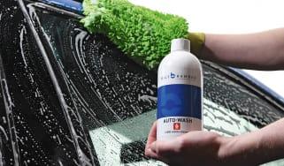 Best car shampoos product test header shot