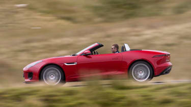 Jaguar F-Type Convertible 2.0-litre 4-cylinder - side