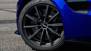Aston Martin Vantage - wheel