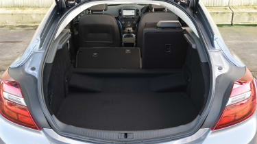 Vauxhall Insignia - boot