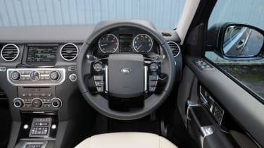 Used Land Rover Discovery 4 - dash