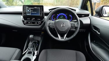 Suzuki Swace - interior