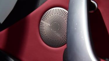 Kia Stinger - speaker