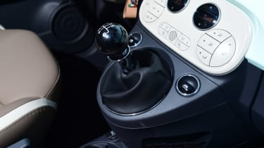 Fiat 500C 2015 gearstick