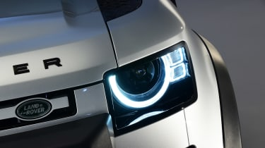 Land Rover Defender - studio front light