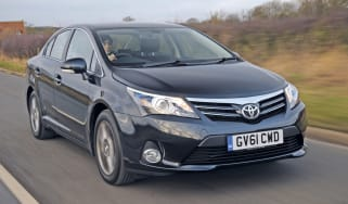Toyota Avensis front tracking
