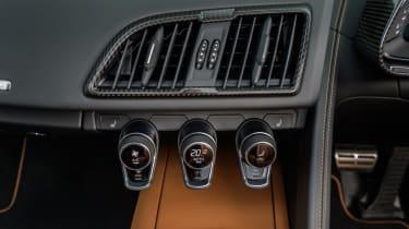 Audi R8 Spyder V10 plus - vents