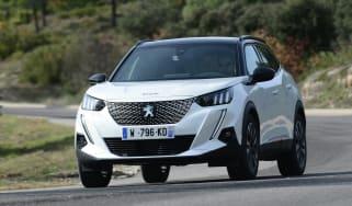 Peugeot e-2008 - front