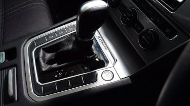Volkswagen Passat Alltrack - gear lever