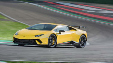 Lamborghini Huracan Performante 2017 review front
