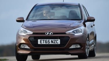 Hyundai i20 - front cornering