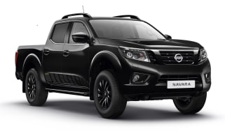 Nissan Navara N-Guard - black front