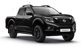 Nissan Navara N-Guard - black front