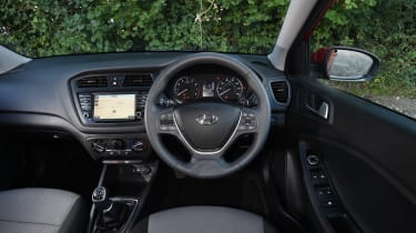 Hyundai i20 Turbo Edition - interior