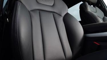 Audi Q7 - seats