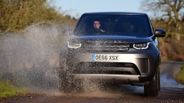 Land Rover Discovery Mk5 - off-road