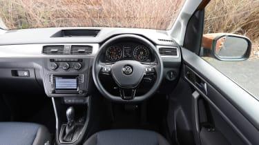 Volkswagen Caddy Maxi Life TSI 2016 - interior