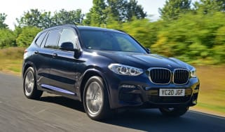 BMW X3 xDrive30e - front tracking