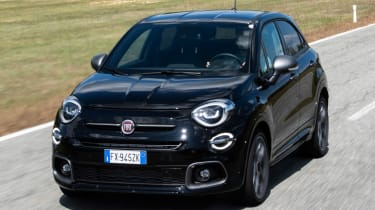 Fiat 500 X Sport - front tracking