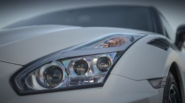 Nissan GT-R NISMO - headlight