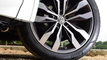 Volkswagen Touareg - wheel