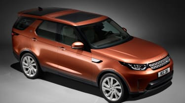 Land Rover Discovery 2017 - official studio front quarter