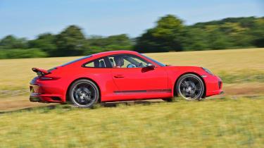 Porsche 911 Carrera T - profile