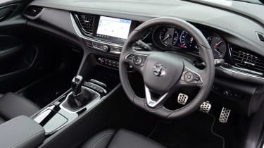 Vauxhall Insignia 1.5 diesel - cabin