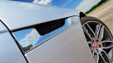 Jaguar F-Type R AWD - wing