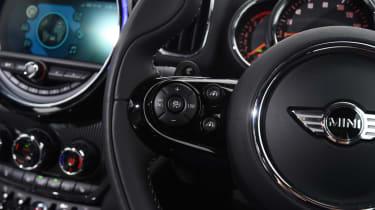 MINI Countryman 2017 - steering controls