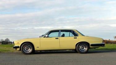 Minder Cars - Daimler side profile