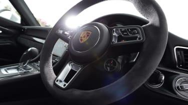 Porsche 911 GTS - steering wheel