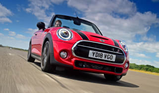 MINI Convertible - front action
