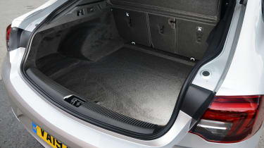 Vauxhall Insignia Grand Sport - boot