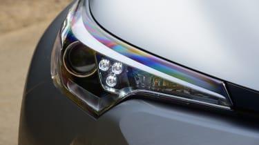 Toyota C-HR - headlight