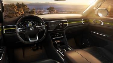 Volkswagen Atlas Tanoak concept - dash