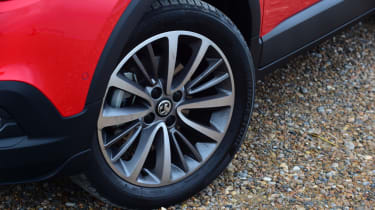 Vauxhall Crossland X - alloy wheel