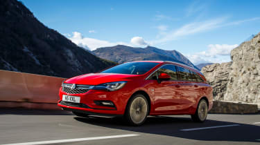 New Vauxhall Astra Sports Tourer - front tracking 2