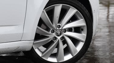 skoda octavia estate alloy wheel