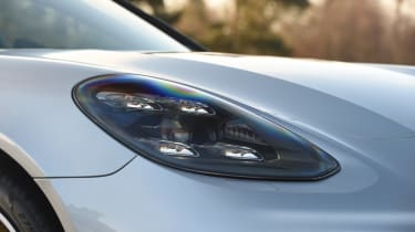 Porsche Panamera Sport Turismo headlights