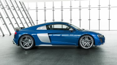 Audi R8 - studio side