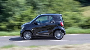 Smart ForTwo Brabus 2016 - side tracking