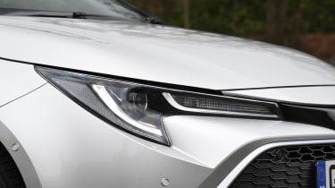 Toyota Corolla - front light