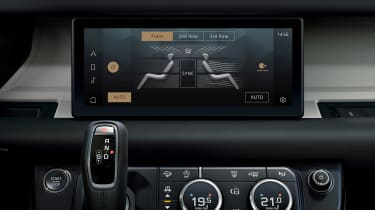 2019 Land Rover Defender infotainment