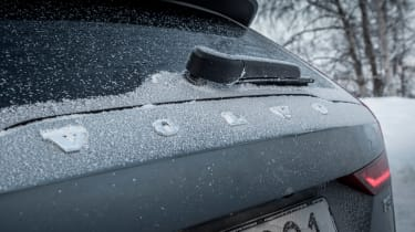Volvo V60 Cross Country - rear Volvo badge